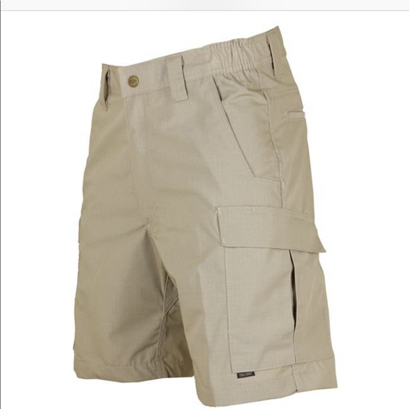 MSRP $44-NWT Mens Urban Pipeline Plaid Cargo Shorts Classic Length Size 34